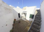 Patio y acceso a terrat